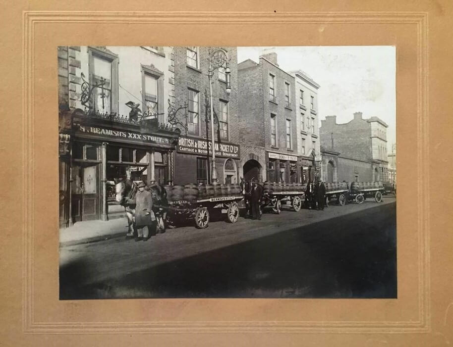 Curtis & Lees carts on the North Wall Quay, Dublin